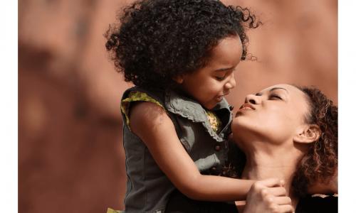 Financery - Kindersparplan - Mutter mit Kind